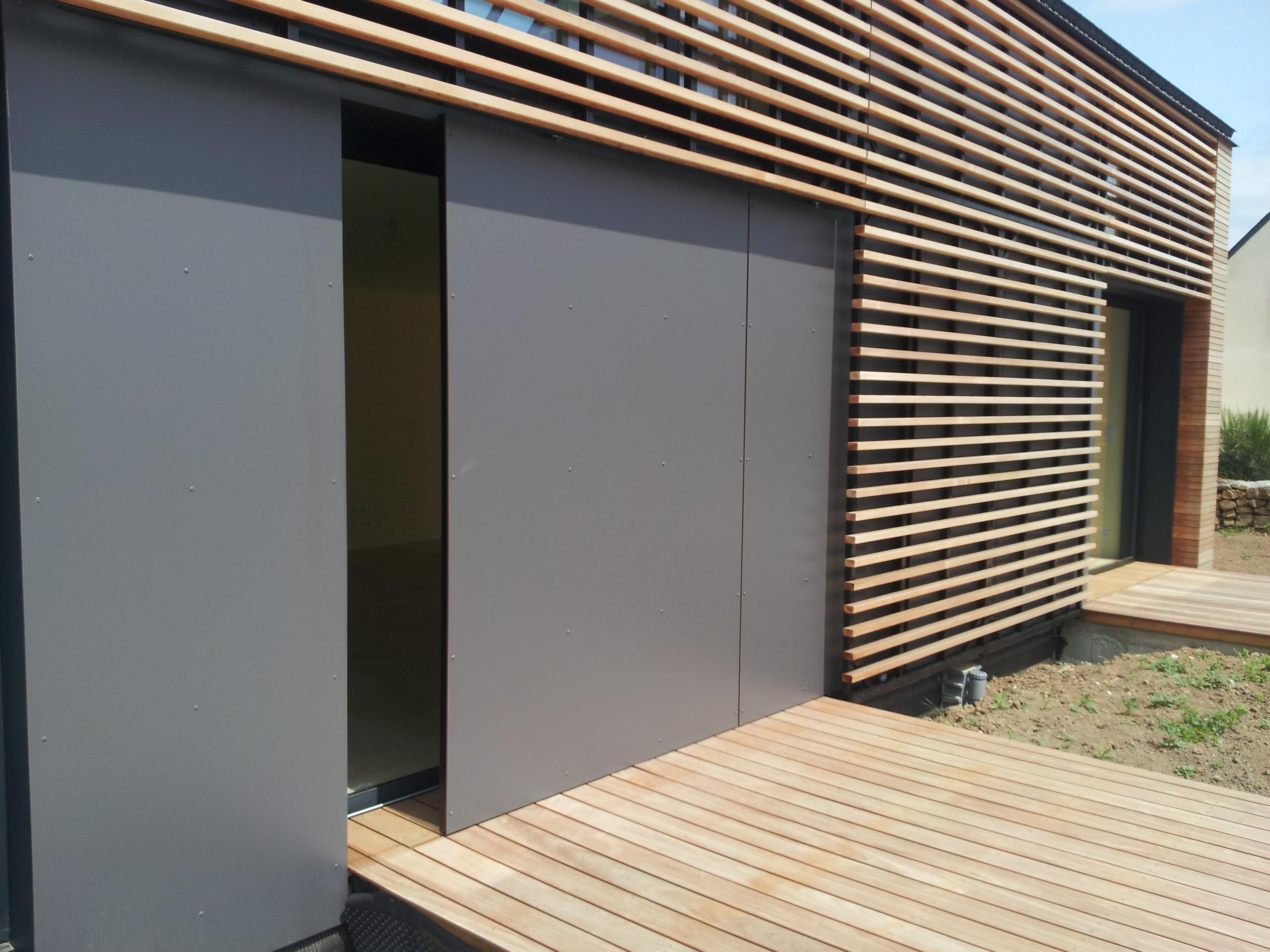Bardage ajour en red cedar sign bois construction - Facade maison en bois ...